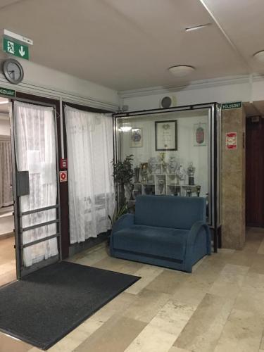 bejárat - előtér